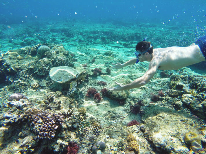 couples coordinates gili islands travel guide inodnesia snorkeling