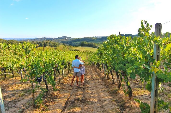 couples coordinates italy yoga retreat wine tasting in chianti