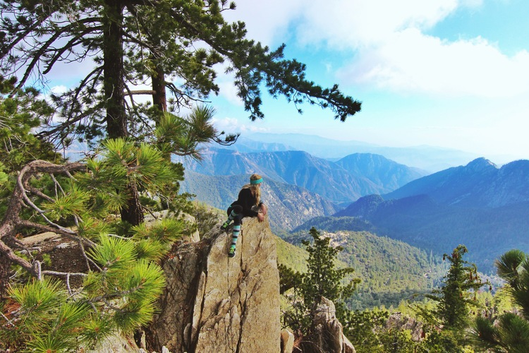 couples_coordinates_best_hikes_in_southern_california_feature
