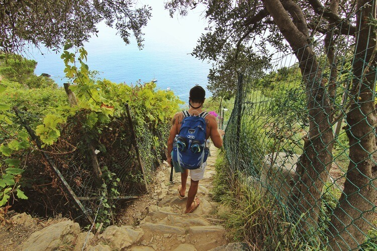 couples coordinates ultimate guide to hiking cinque terre italy