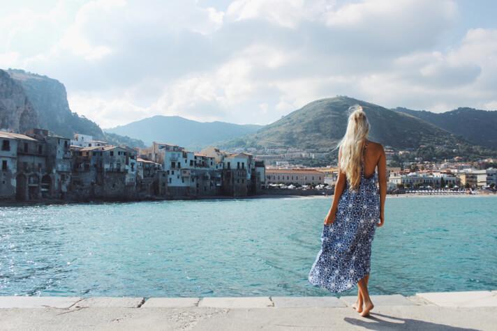 couples_coordinates_cefalu_weekend_travel_guide_alex_pier_dock