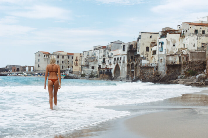 couples_coordinates_cefalu_weekend_travel_guide