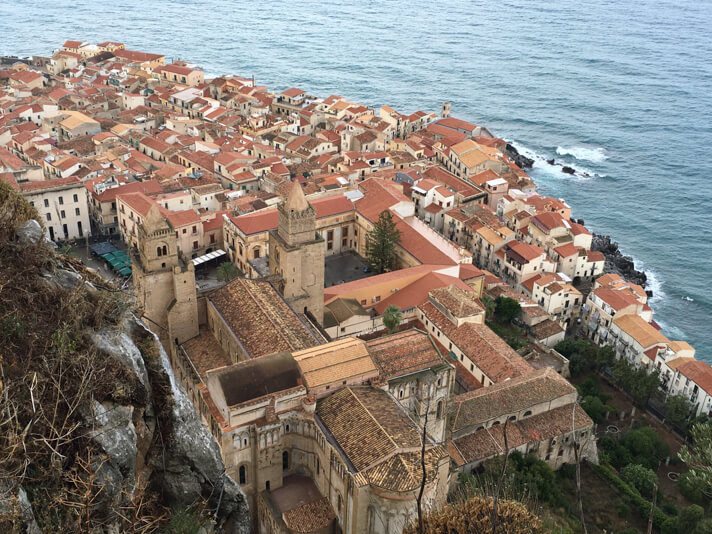 couples_coordinates_cefalu_weekend_travel_guide_il_castello_view