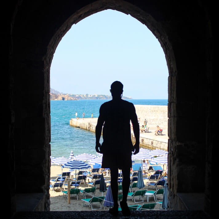 couples_coordinates_cefalu_weekend_travel_guide2