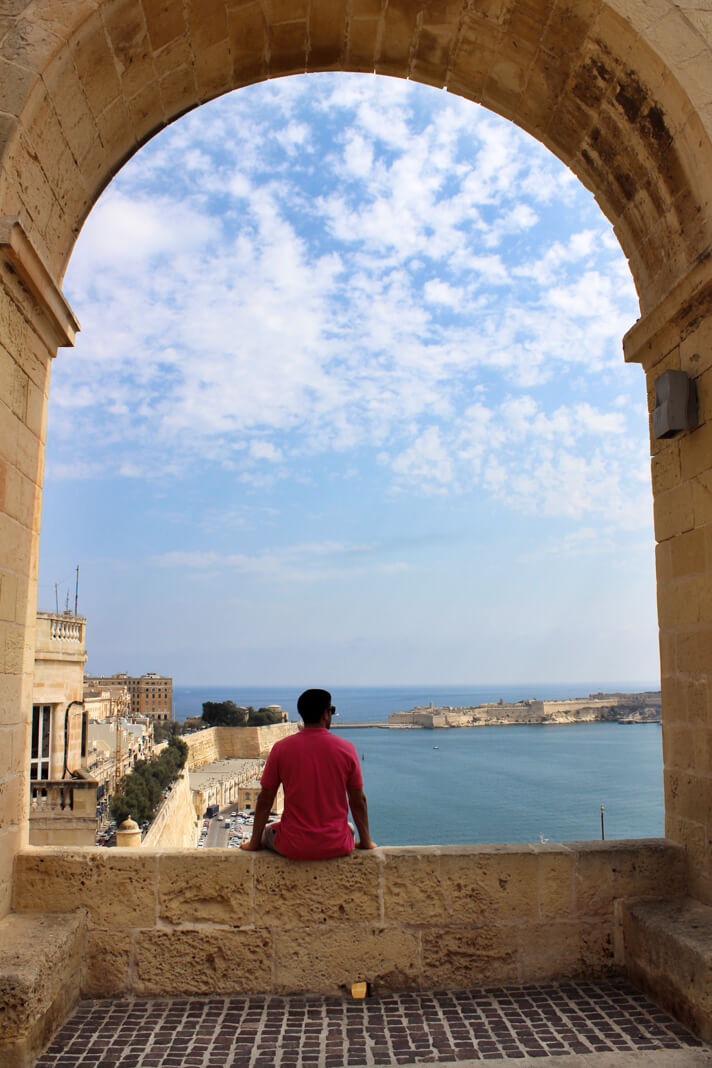 couples_coordinates_malta_travel_guide_valletta