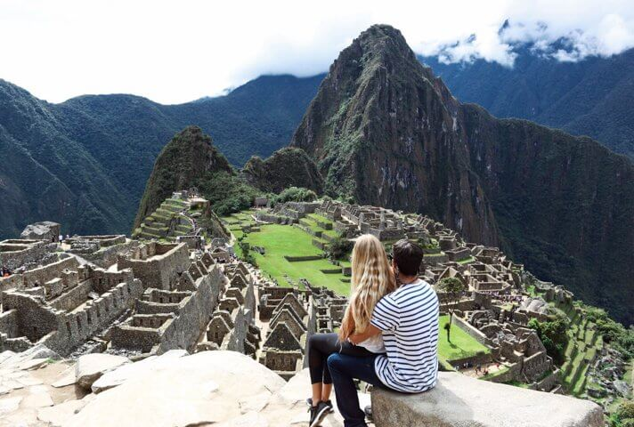 couples coordinates hiking to the sun gate machu picchu peru