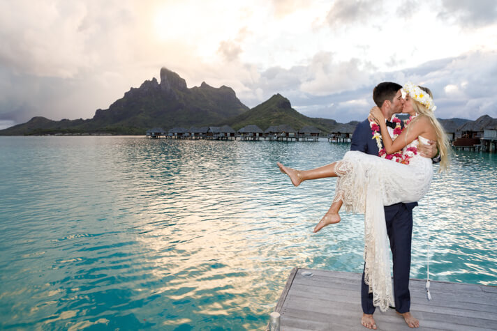 couples_coordinates_cheap_honeymoon_destinations