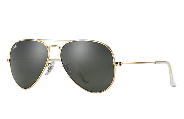 couples_coordinates_travel_accessories_ray_ban_aviator
