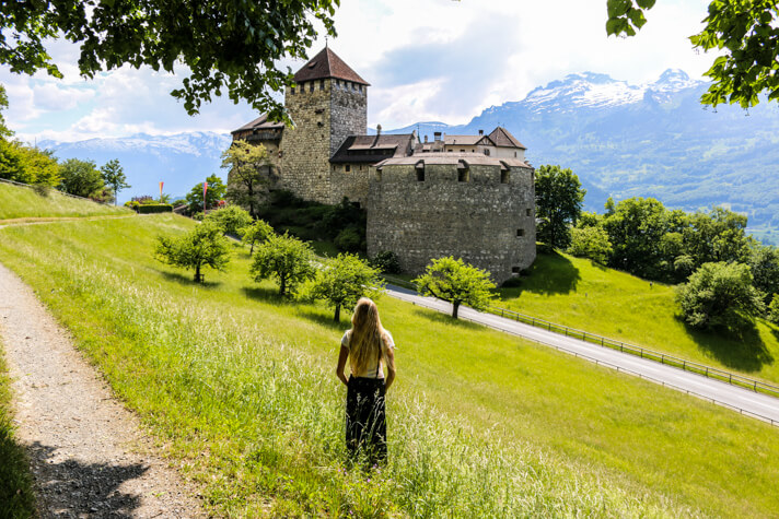 couples_coordinates_liechtenstein_vaduz castle