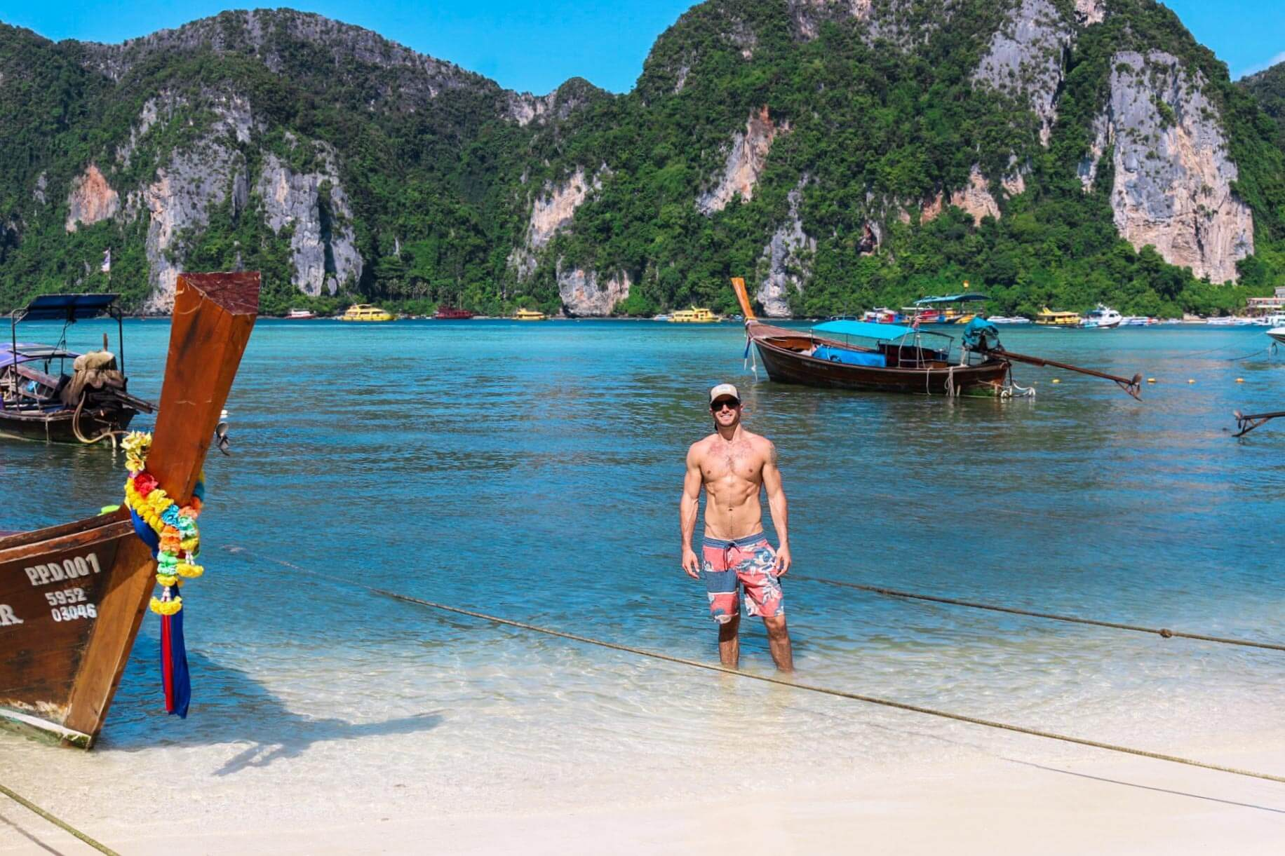 couples coordinates michael koh phi phi boat at the beach