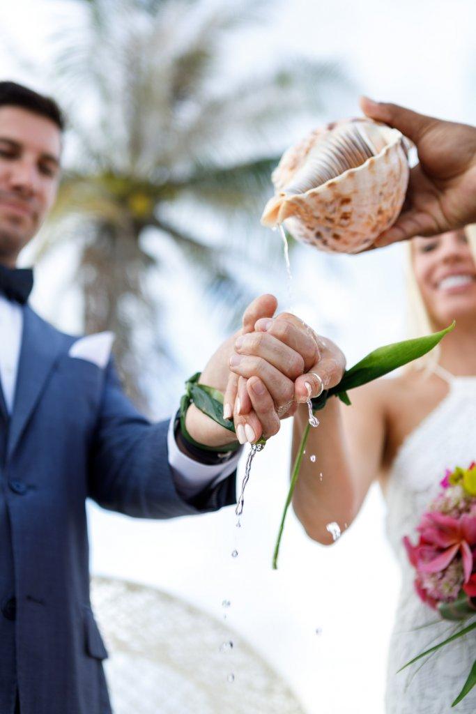 how to plan a destination wedding four seasons bora bora polynesian wedding ceremony