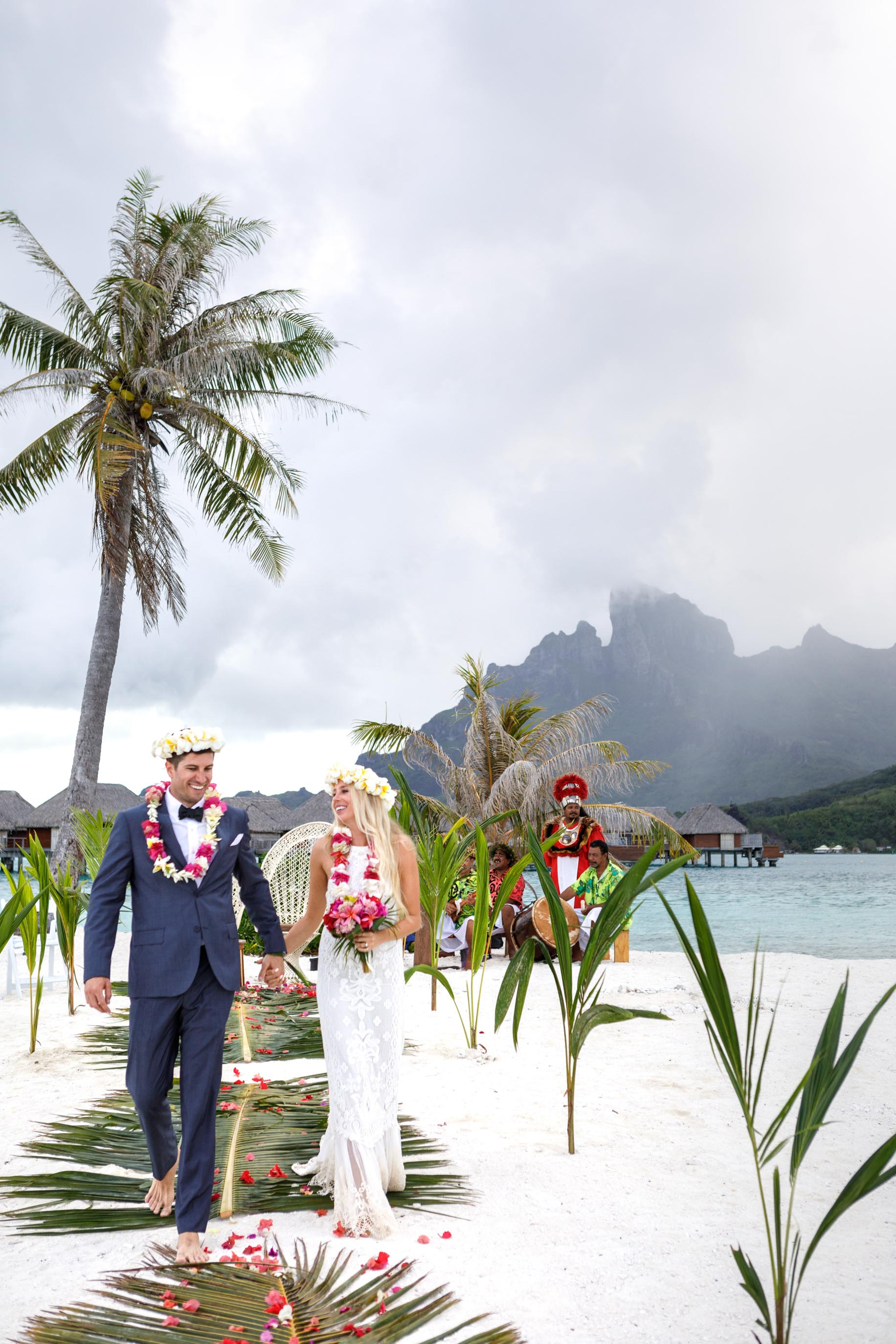bora bora honeyoon wedding at four seasons bora bora motu