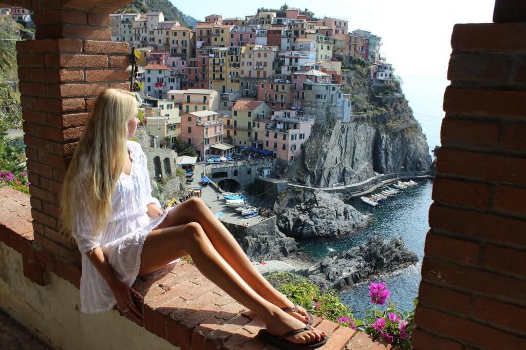 couples coordinates amalfi coast vs cinque terre manarola