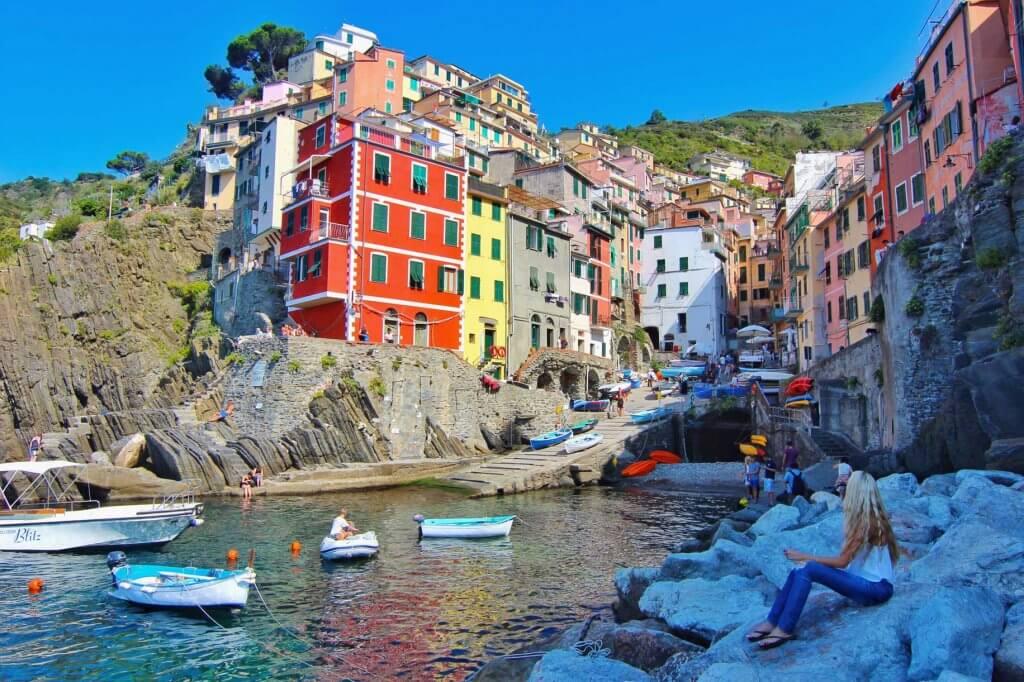 couples coordinates amalfi coast vs cinque terre