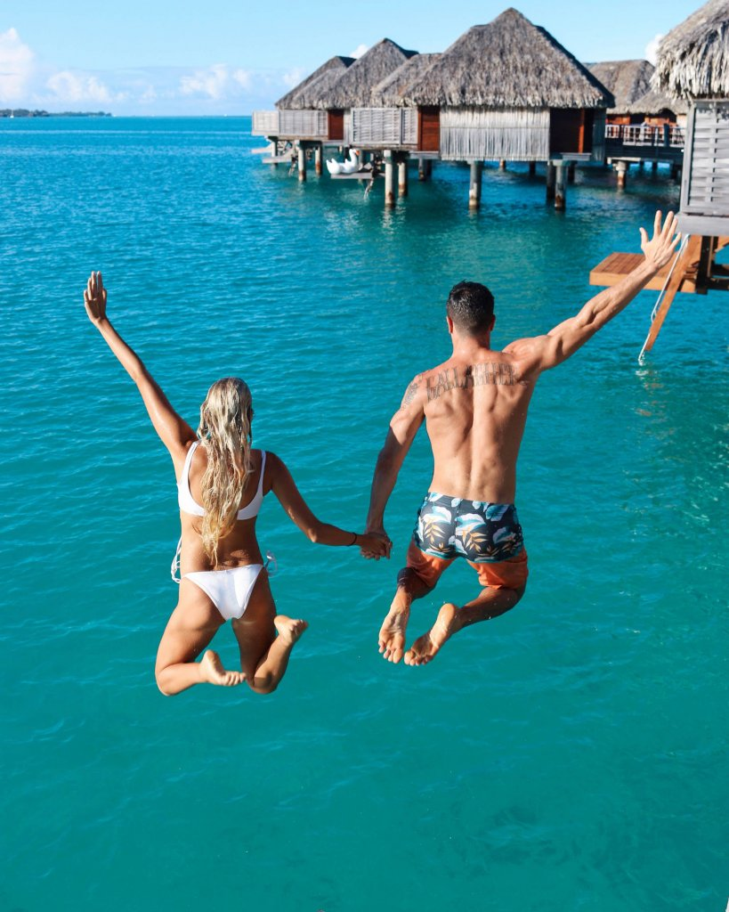 couples coordinates bora bora on a budget