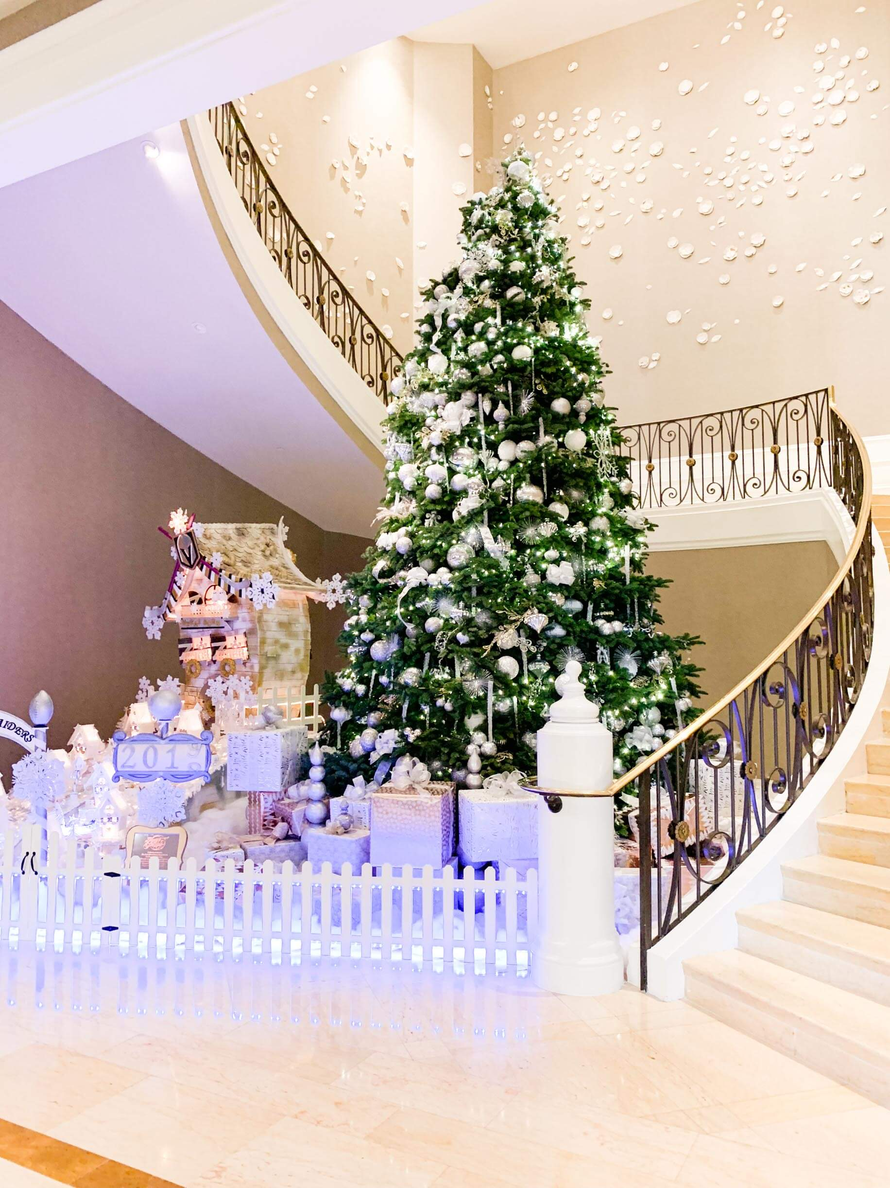 couples coordinates best resort in las vegas for couples four seasons christmas tree