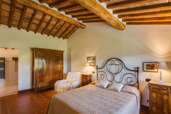 coordinates italy yoga retreat villa bedroom example