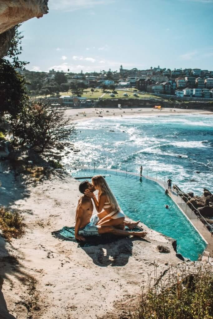 couples coordinates fun things to do in sydney for couples bronte beach alex and michael kissing