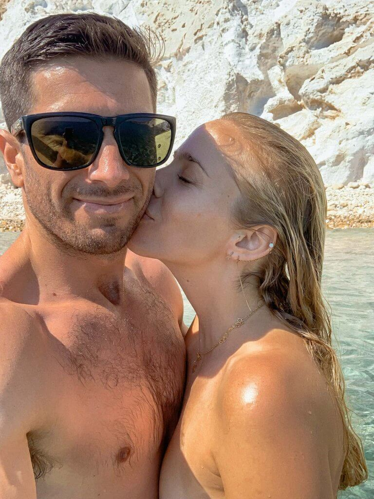 michael-and-alex-couples-coordinates-tan-nude-at-firiplaka-beach-milos-greece